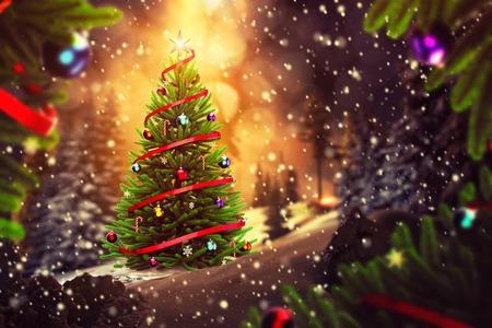 árbol de Navidad brillante exterior en la noche de invierno Foto de archivo