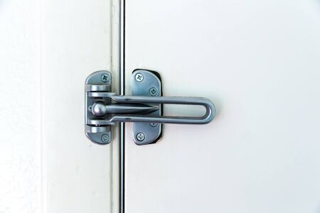 hinge joint: Stainless steel door hinge with ball lock.