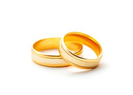 anillos boda: Anillos de boda aislados sobre fondo blanco