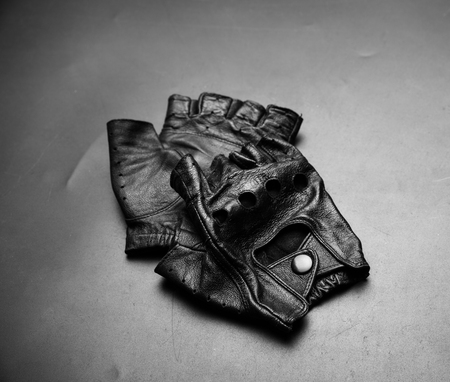 murdering: Fingerless driver leather gloves