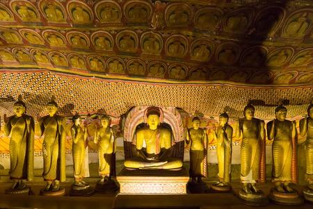 Antyczne złote statuy w Buddha świątyni na Ceylon Zdjęcie Seryjne