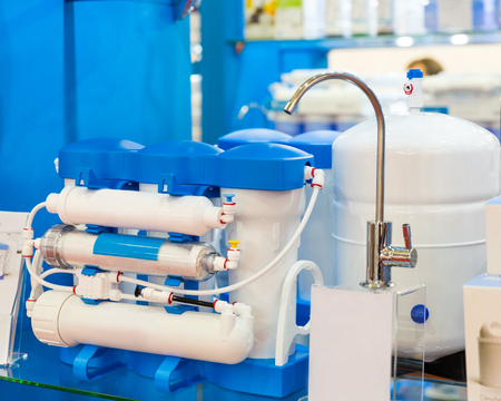 Water filter system or osmosis, water-purification Standard-Bild