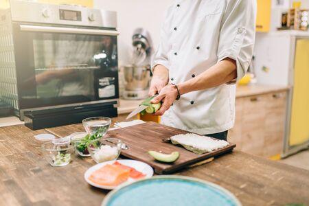Sushi preparation process, japanese food