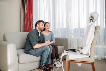 Couple swears at doctor skeleton reception