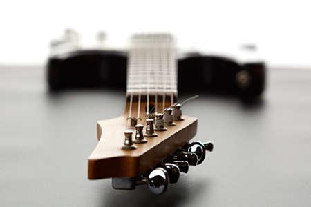 Electric guitar, fosuc view on head, closeup Zdjęcie Seryjne