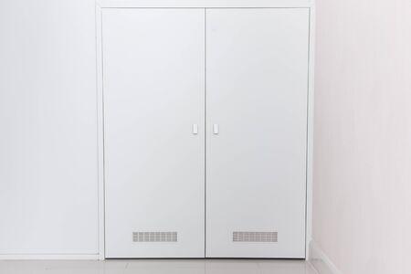 common room: Common style of room doors.