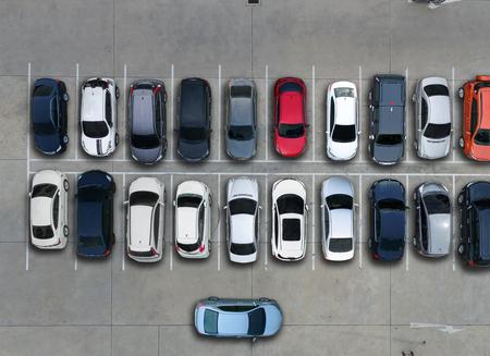 空駐車場、空撮。 写真素材