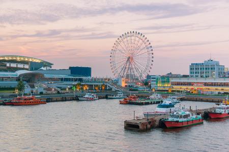 名古屋 - 2016 年 6 月 18 日:「名古屋港、伊勢湾内に位置する日本の総貿易額の約 10% を占める日本の港の最大かつ最も忙しい取引です。 報道画像