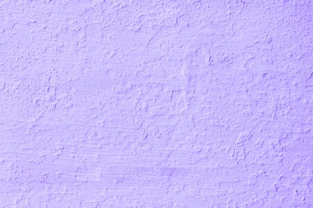 Lila Zementwände oder Mörtel sind nicht glatt und knacken die Oberfläche im Vintage-Stil für Designarbeitshintergrundtextur und Kopierraum