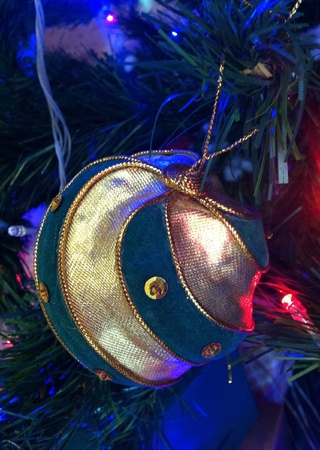 decorate: Decorate christmas tree with golden ball