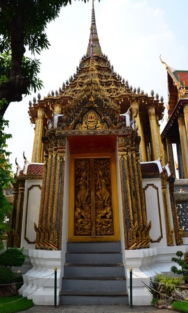 dazzlingly: Photo of Thai fantastic door with fabulous decoration