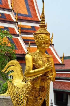 The Buddhism God in the religious story The creature has the upper body of a human and the lower body of a Hongsa