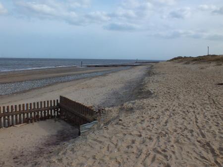 groyne: Norfolk sandy seaside groyne and beach for a holiday