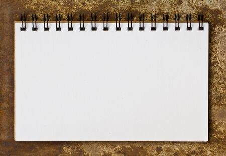 note book: Nota sul libro di bordo del metallo vecchio