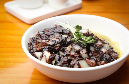 ジャジャン麺、黒味噌麺 gan zhajjang