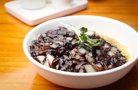 짜장면, 검은 콩 소스 국수,의 GaN zhajjang 스톡 콘텐츠