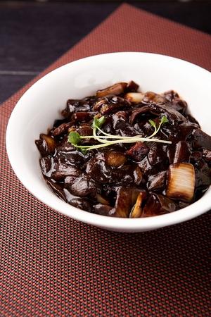 jajangmyeon, black-bean-sauce noodles, gan zhajjang