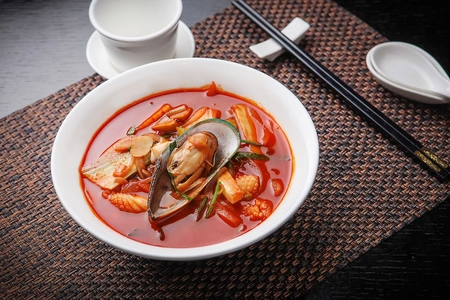 jjamppong、中華風麺と野菜と魚介類、chaomamian 写真素材