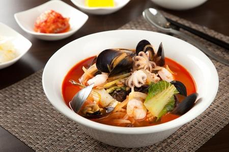 jjamppong, 야채와 해산물, chaomamian 중국 스타일의 국수