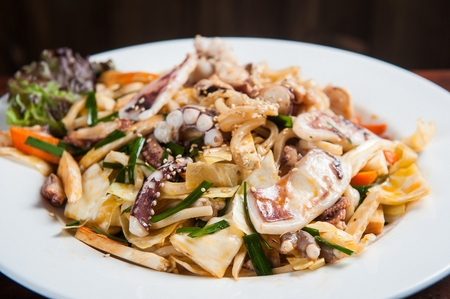 japanese cookery: stir-fried seafood udon