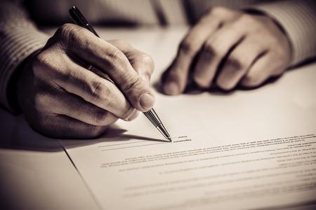 ondertekenen van financiën contract