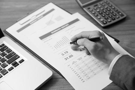 recursos financieros: Hombre An�lisis Business Accounting