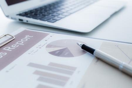 Zakelijke financiën, fiscale, boekhoudkundige, statistieken en analytisch onderzoek concept Stockfoto