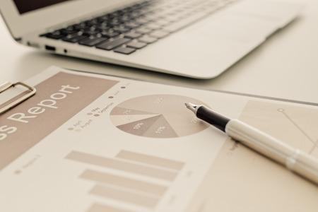 accounting: Las finanzas de negocios, impuestos, contabilidad, estadísticas y concepto de la investigación analítica