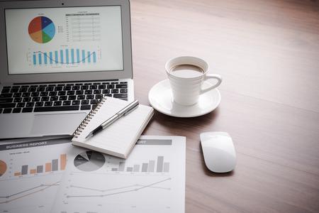 contabilidad financiera cuentas: Mostrando empresa y el informe financiero. Contabilidad Foto de archivo