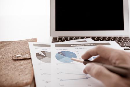 contabilidad: Hombre Análisis Business Accounting