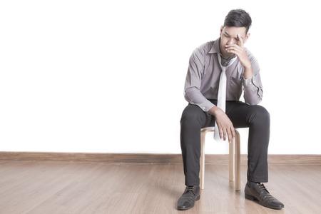 depresi�n: Hombre de negocios joven aislado depresivo Foto de archivo