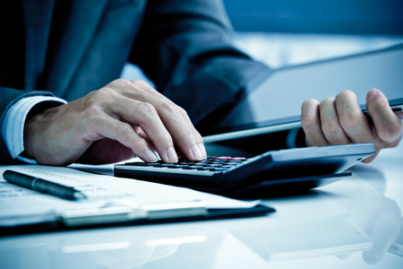 contabilidad: Hombre Análisis Business Accounting