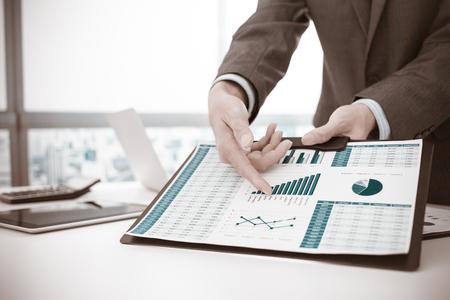 Negocios que analiza listas de inversión. Contabilidad