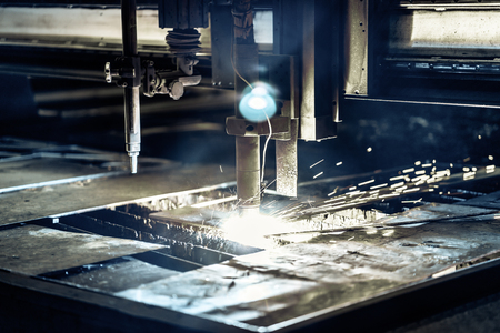 Plasma cutting metalwork industry machine in factory Banque d'images