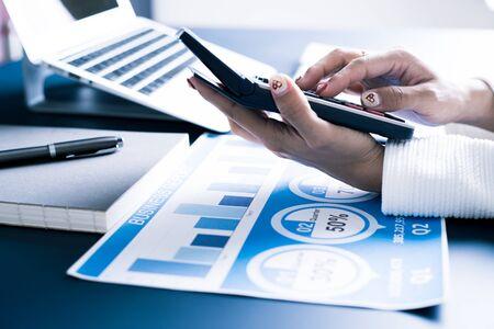 Comptabilité calcul mathématique économie économique Concept de travail Banque d'images