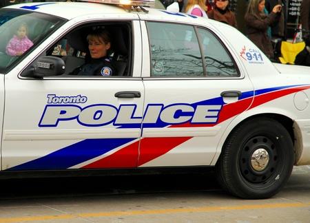 patrol cop: Un veh�culo de la polic�a durante un desfile en Toronto, Ontario Editorial