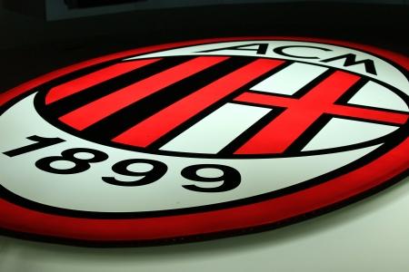 ミラノ、イタリア、2010 年 9 月 20 日 - AC ミランのロゴ。 報道画像