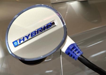 ハイブリッド自動車の充電