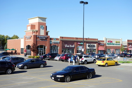 Strip mall on September 14, 2013 in Toronto Redakční