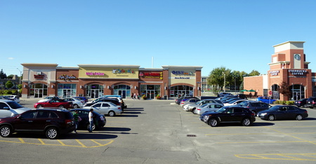 commercial real estate: Strip mall on September 14, 2013 in Toronto Editorial