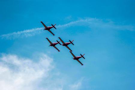 civilian: stunt civilian planes flying in synchronization