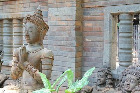 greet: Deva statue with greet act.