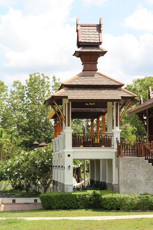 single story: A beautiful family house on a lake