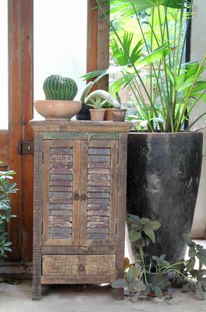 Brown vintage wooden cabinet in the room. 版權商用圖片