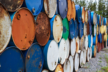 Rusty oil tank corrosion in industrial applications. 스톡 콘텐츠