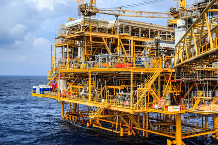 Offshore the Industry oil and gas production petroleum pipeline. 版權商用圖片