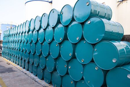 Oil barrels green or chemical drums horizontal stacked up Banco de Imagens - 137801045