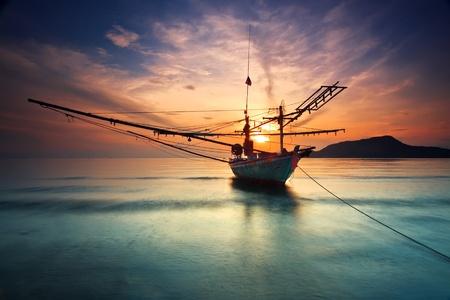 Plage de Hua-Hin de bateau de pêche.