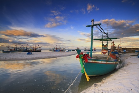 yellow boats: fishing boat on the huahin beach, Thailand