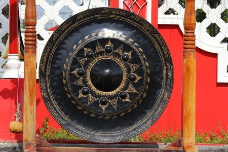 exotic gleam: Big Gong in Thai temple Stock Photo